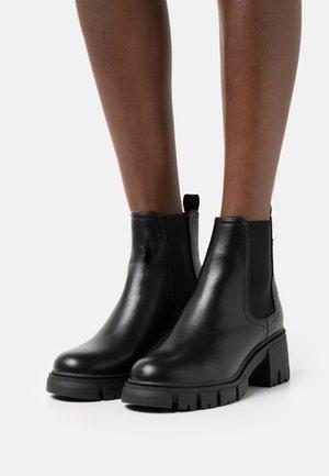 VEGAN KAIA COMBAT GUSSET BOOT - Bottines à plateau - black smooth