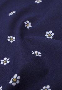 Levi's® - FEMININE BANDANA - Skjerf - navy blue - 2