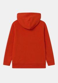 GAP - BOYS GREAT - Bluza z kapturem - grenadine orange - 1