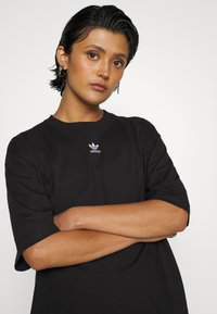 adidas Originals - TEE - Basic T-shirt - black/white - 5
