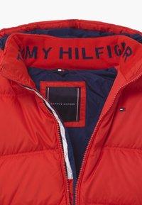 Tommy Hilfiger - ESSENTIAL  - Down jacket - red - 3