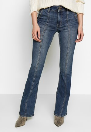 HI-RISE ARTIST - Flared Jeans - worn out blue