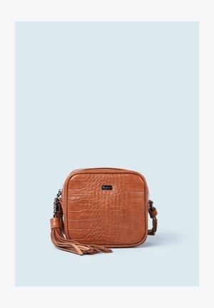 SIRA - Across body bag - marrón tan
