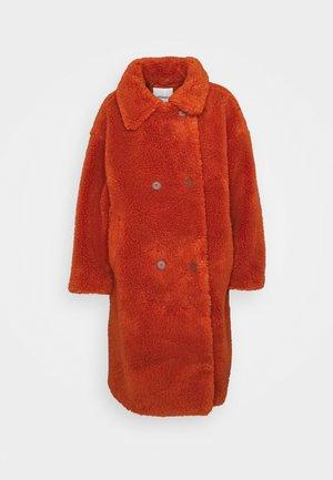 Winter coat - rust