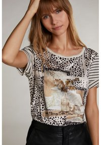 Oui - Print T-shirt - light camel grey - 0