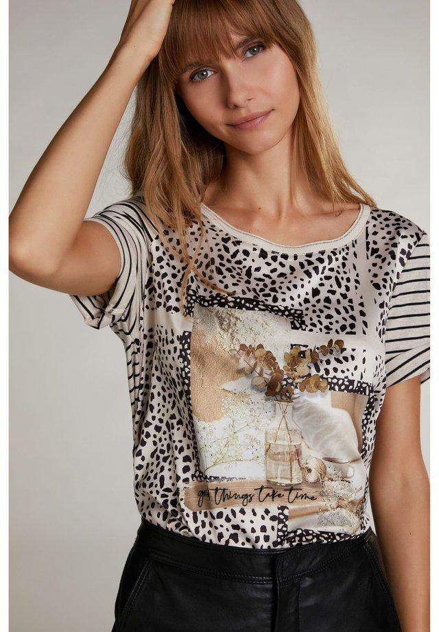 Print T-shirt - light camel grey
