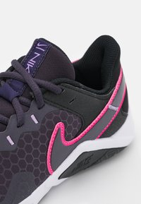 Nike Performance - LEGEND ESSENTIAL 2 - Sports shoes - black/hyper pink/cave purple/lilac/white - 5