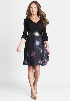 MATERNITY & NURSING BLACK FLORAL WRAP DRESS - Day dress - blk/flrl