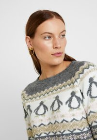 Dorothy Perkins - FAIRISLE TINSEL PENGUIN - Jumper - grey marl - 3