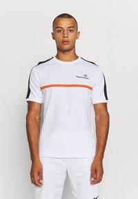 Sergio Tacchini - NOLWEN - Print T-shirt - white/orange - 0