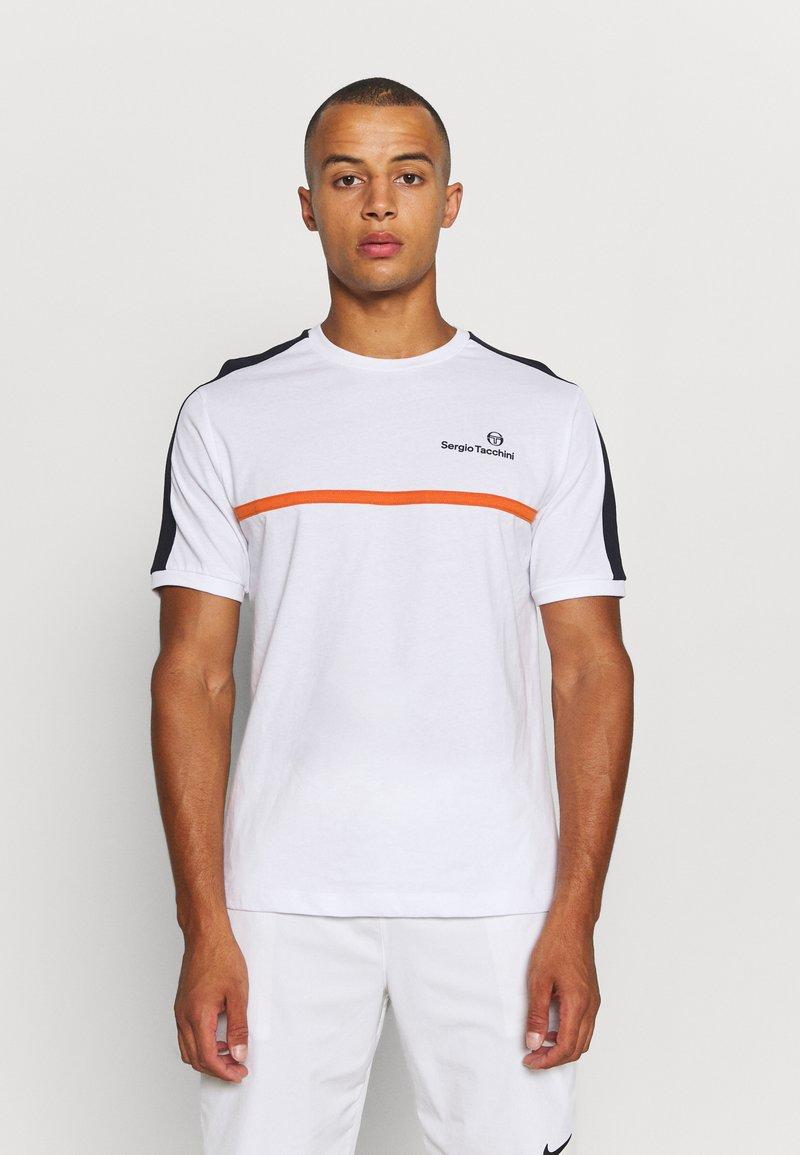 Sergio Tacchini - NOLWEN - Print T-shirt - white/orange