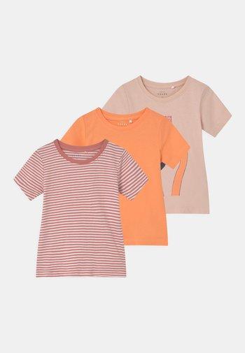 NMFVIMIA 3 PACK - Print T-shirt - peach whip