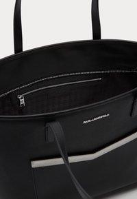 KARL LAGERFELD - MAU SHOULDER BAG - Bolso de mano - black - 3