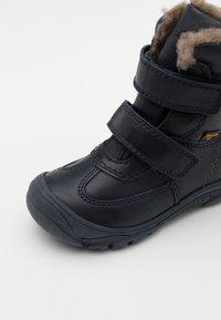 Froddo - LINZ TEX MEDIUM FIT UNISEX - Zimní obuv - dark blue - 5