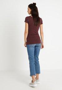 Zalando Essentials Maternity - T-shirt z nadrukiem - winetasting/offwhite - 2