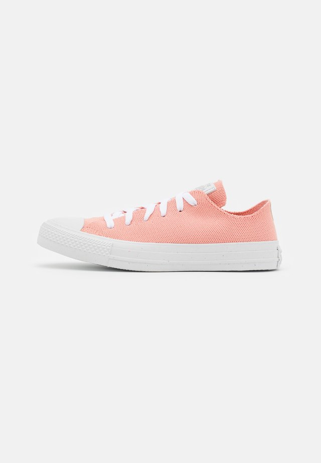 CHUCK TAYLOR ALL STAR UNISEX - Sneakers laag - pink quartz/string/white