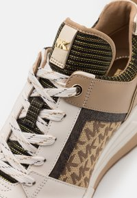 MICHAEL Michael Kors - GEORGIE TRAINER - Baskets basses - pale gold - 6