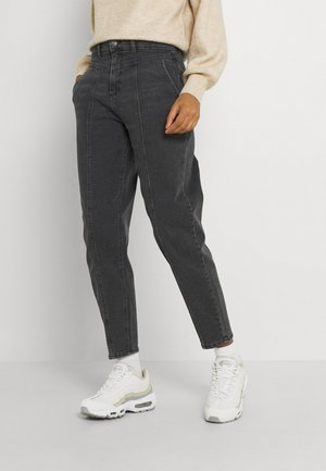 MOM KENZE - Jeans Tapered Fit - mid grey denim