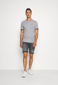 Pier One - T-shirt con stampa - grey - 1