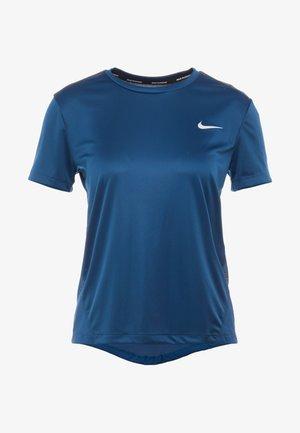MILER  - Print T-shirt - valerian blue/reflective silver
