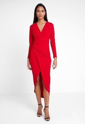 AMBEY - Sukienka etui - red