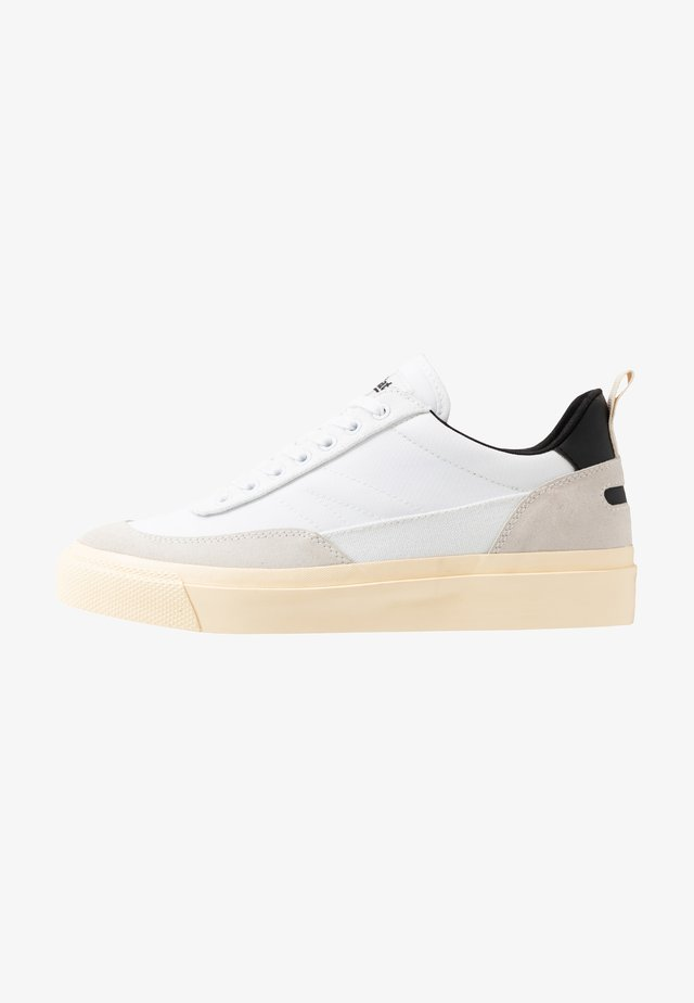 NUMBER THREE - Sneakers laag - white