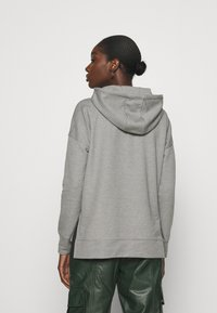 Calvin Klein - RHINESTONE LOGO HOODIE - Sweatshirt - mid grey heather - 2