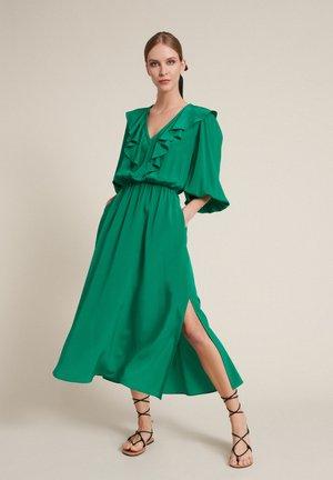 PARTENOPE - Denní šaty - verde