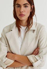 PULL&BEAR - Short coat - grey - 6