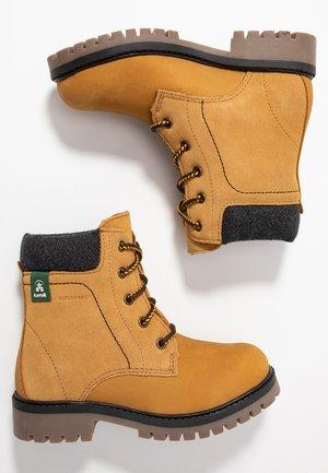 TAKODALO - Zimní obuv - tan