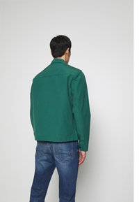 Timberland - MOUNTAIN  - Summer jacket - hunter green - 2