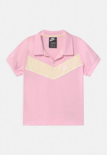 HERITAGE - Polo - pink foam/coconut milk