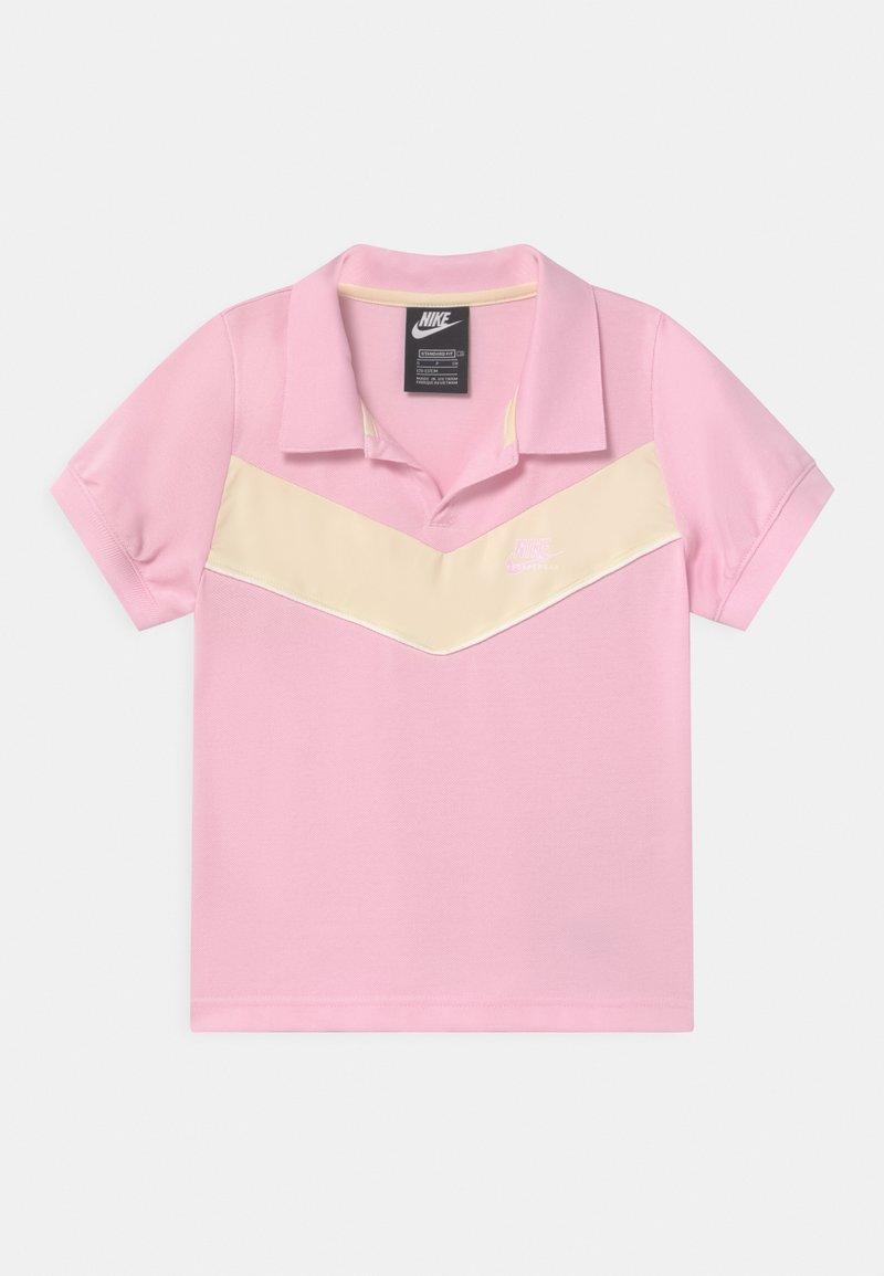 Nike Sportswear - HERITAGE - Koszulka polo - pink foam/coconut milk