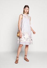 WEEKEND MaxMara - CAIMANO - Korte jurk - sand - 1