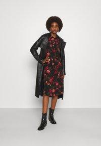 ONLY Tall - ONLNOVA LONG SHIRT DRESS - Košilové šaty - black - 1