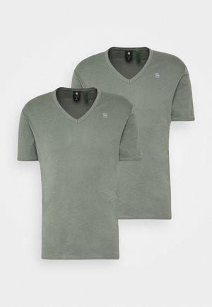 BASE V-NECK T S/S 2-PACK - T-shirts basic - light building
