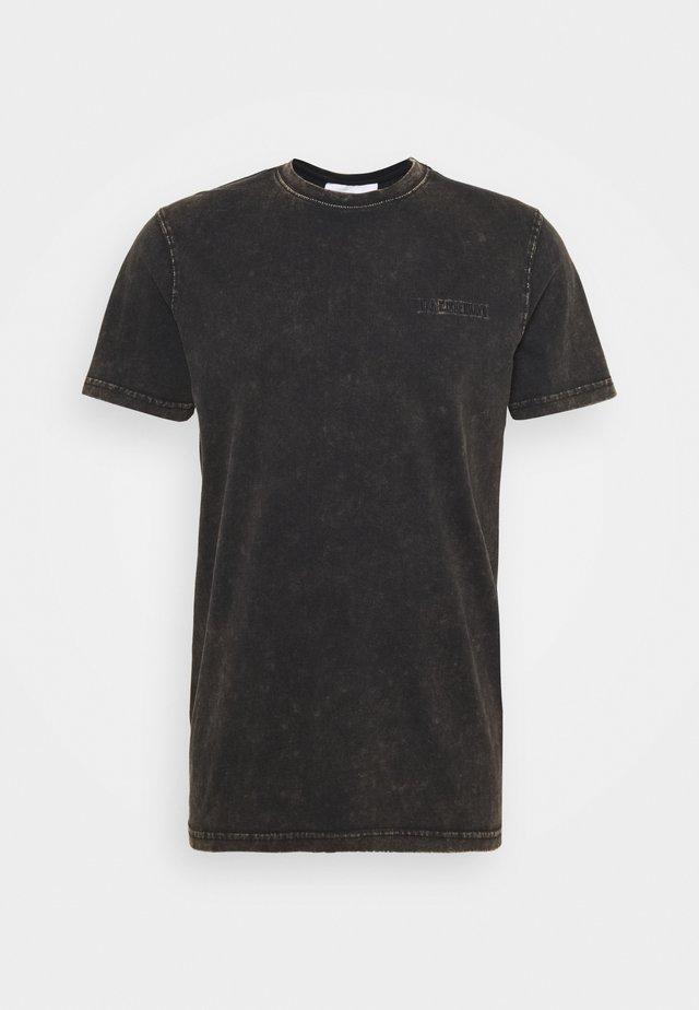CASUAL TEE - Print T-shirt - brown acid