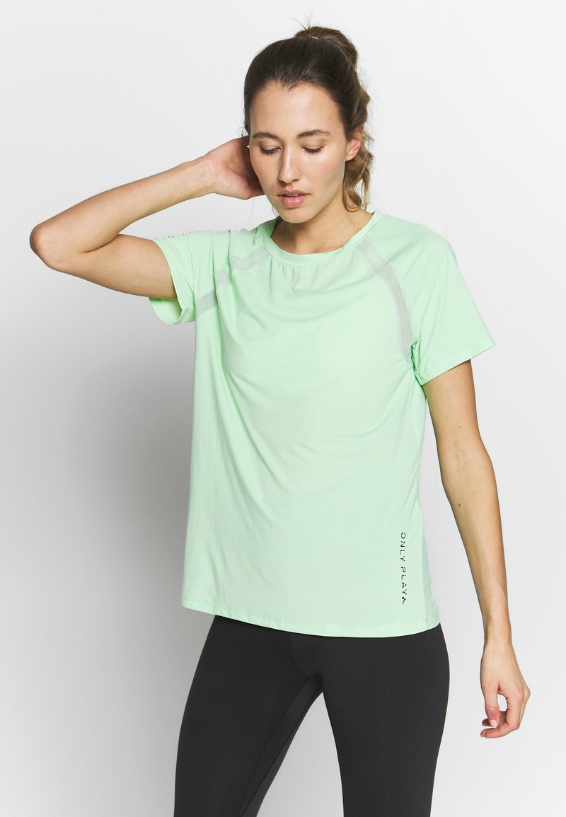 ONLY Play - ONPPERFORMANCE TRAINING LOOSE - Basic T-shirt - green ash/black