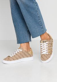 Guess - RIDERR - Trainers - beige/brown - 0