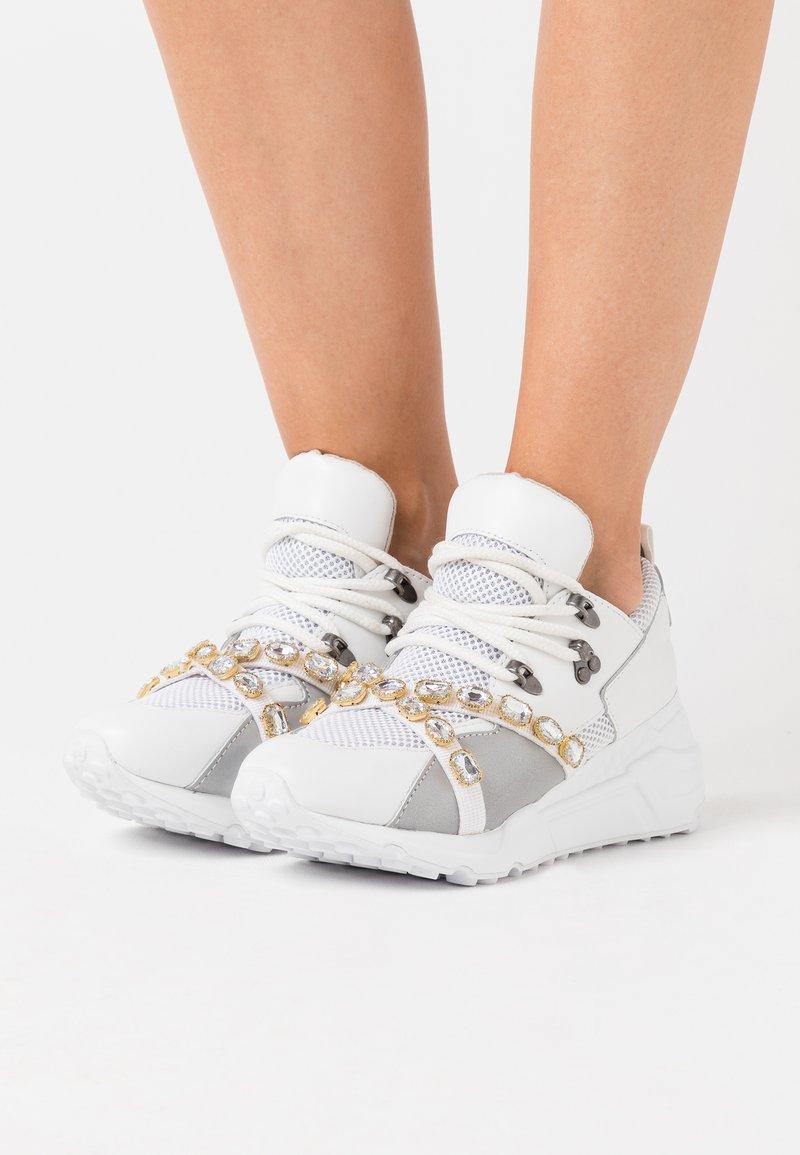 Steve Madden - CREDIT - Sneakers - white/multicolor