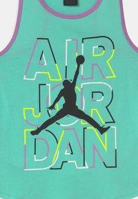 Jordan - GIRLS AIR - Top - green glow - 2