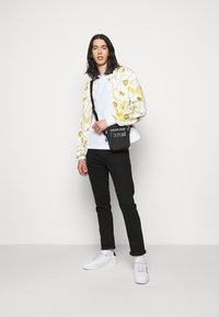 Versace Jeans Couture - PLAIN - Polo - white - 1