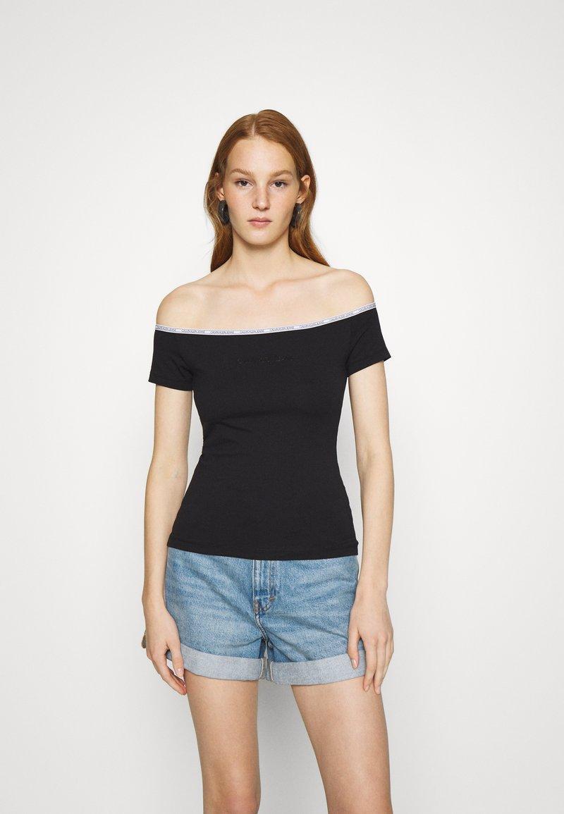 Calvin Klein Jeans - LOGO TRIM BARDOT - Print T-shirt - black