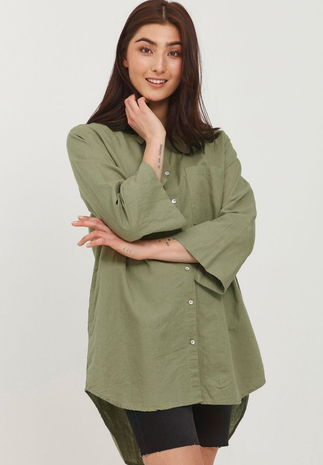 Button-down blouse - oil green