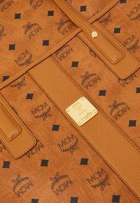 MCM - SHOPPER PROJECT VISETOS SET - Handbag - cognac - 6