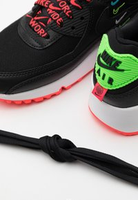 Nike Sportswear - AIR MAX 90 - Sneakers laag - black/flash crimson/green strike/white - 5