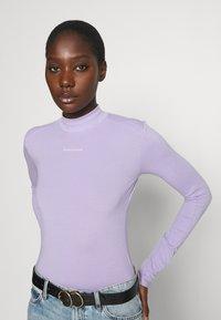 Calvin Klein Jeans - MICRO BRANDING - Long sleeved top - palma lilac - 3
