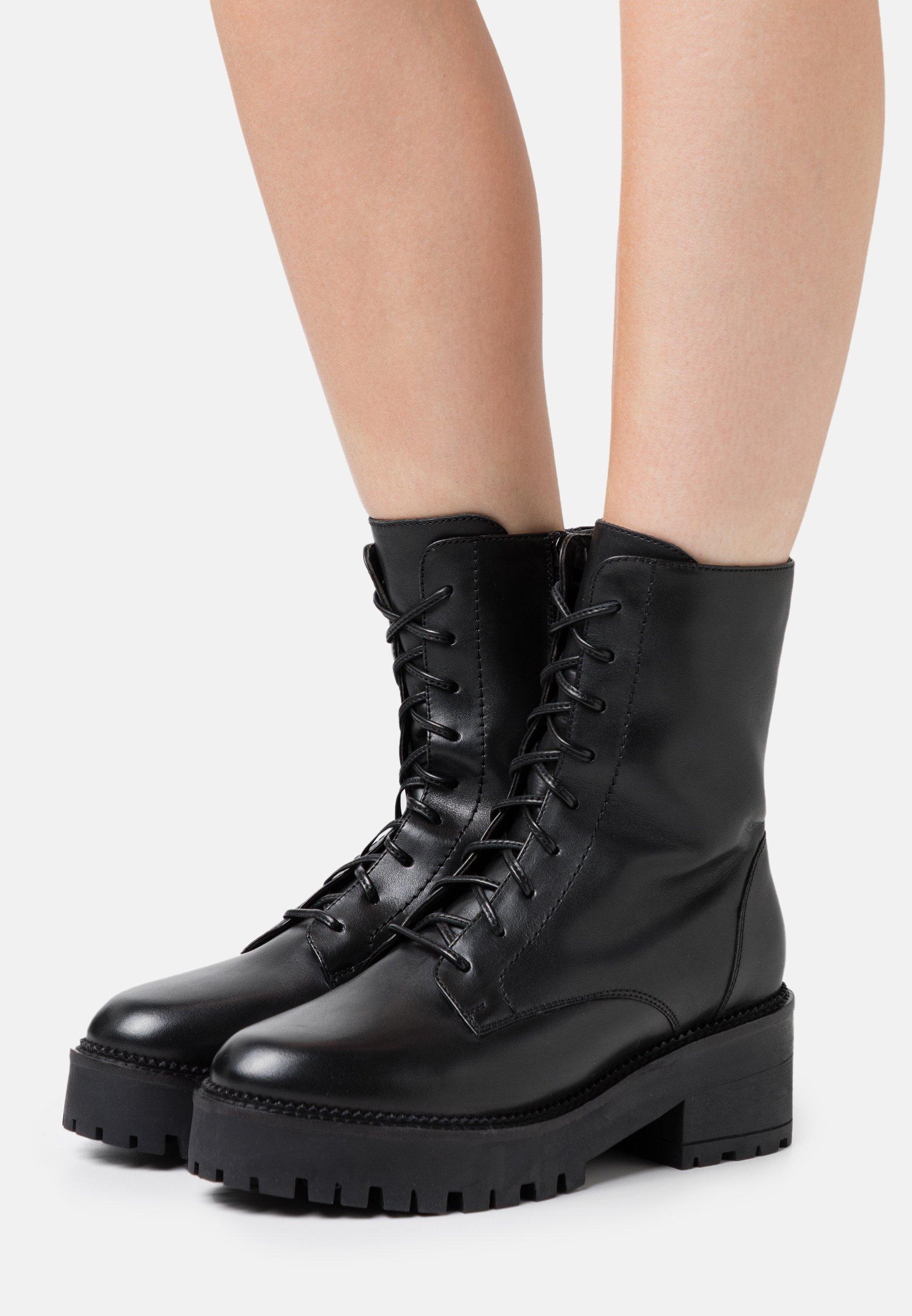 Women Winter boots - black