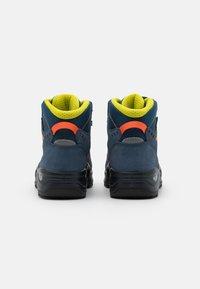 Lowa - KODY III GTX MID JUNIOR UNISEX - Hiking shoes - blau - 2