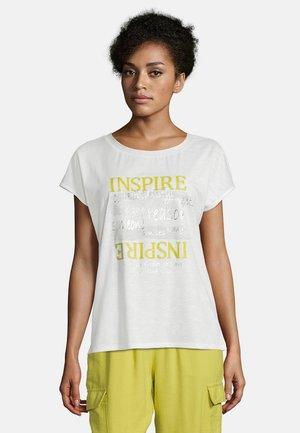 MIT AUFDRUCK - Print T-shirt - white/yellow